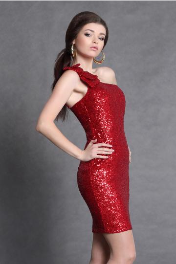 Cekinowa sukienka na jedno ramię - czerwony