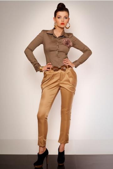 Eleganckie spodnie z marszczeniem i kieszonkami + pasek - kremowy